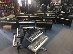 Keyboards, music, piano, pianos, keys, piano player, Clavinova, artesia, ypg235, psre263, psre353, psre463, clp525, clp535. clp545, grand piano